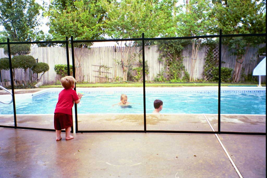 Pool Fencing Contractor Arlington VA