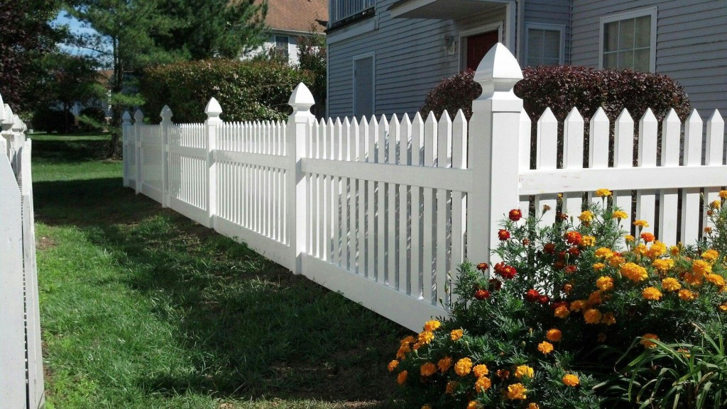 Vinyl Fence Example Northern VA Herndon